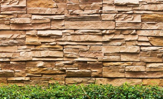 Pískovec je esteticky vytříbený materiál do zahrad jako dělaný. Foto: oumjeab, Shutterstock