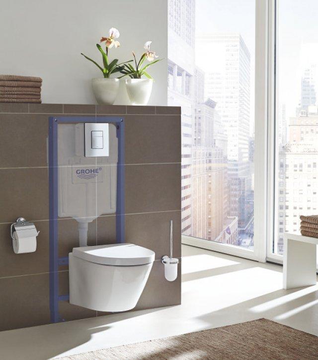 Instalační systém Rapid SLX poskytuje mimo jiné i snadnou dostupnost vodovodní přípojky a integrované elektrické zásuvky skrze otvor za toaletou, což zamezí budoucím rozsáhlým konstrukčním zásahům kvůli maličkostem.